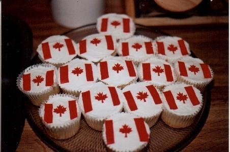 Canadian Flag cupcakes for July 1st. Made from Fruit by the Foot.